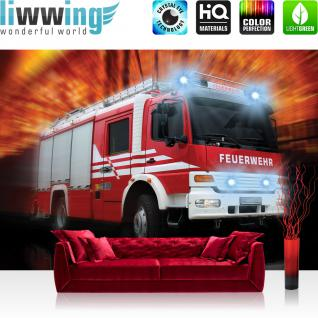liwwing Vlies Fototapete 312x219cm PREMIUM PLUS Wand Foto Tapete Wand Bild Vliestapete - Autos Tapete Feuerwehr Feuerwehrauto Auto Blaulicht rot - no. 2242