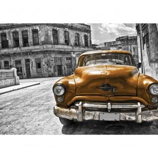 Fototapete Autos Tapete Auto Oldtimer Taxi Gebäude Straße Wolken Schatten grau | no. 1460