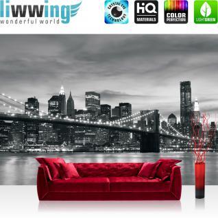liwwing Vlies Fototapete 300x210 cm PREMIUM PLUS Wand Foto Tapete Wand Bild Vliestapete - New York Tapete New York Bridge Lightning schwarz - weiß - no. 269