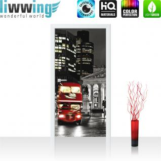 liwwing Türtapete selbstklebend 91x211 cm PREMIUM PLUS Tür Fototapete Türposter Türpanel Foto Tapete Bild - London Bus Lightning - no. 538
