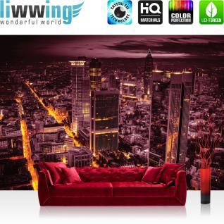 liwwing Fototapete 368x254 cm PREMIUM Wand Foto Tapete Wand Bild Papiertapete - Skylines Tapete Panorama Skyline Häuser Straßen Nacht Lichter lila - no. 958