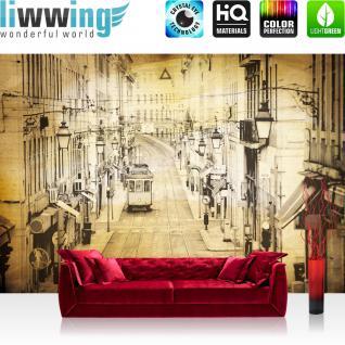 liwwing Vlies Fototapete 312x219cm PREMIUM PLUS Wand Foto Tapete Wand Bild Vliestapete - Stadt Tapete Altstadt Straßenbahn Retro Vintage gelb - no. 3515