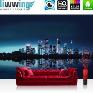 liwwing Vlies Fototapete 400x280 cm PREMIUM PLUS Wand Foto Tapete Wand Bild Vliestapete - Skylines Tapete Toronto Night Wasser Gebäude Schwarz dunkel dark Nachtbild blau - no. 280