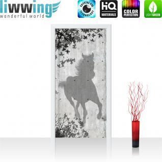 liwwing Türtapete selbstklebend 91x211 cm PREMIUM PLUS Tür Fototapete Türposter Türpanel Foto Tapete Bild - Holzwand Holzoptik Pferd Blätter Malerei Schatten - no. 916