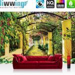 liwwing Vlies Fototapete 400x280 cm PREMIUM PLUS Wand Foto Tapete Wand Bild Vliestapete - Pflanzen Tapete Garten Weinblätter Säulen Garten Blumen grün - no. 333