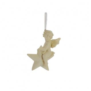Engelfigur der auf einem Stern sitzt mit Aufhängevorrichtung
