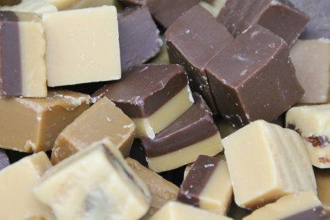 Fudge Mix Vanille Cappuccino Rum Rosine Schokolade Nougat 300g