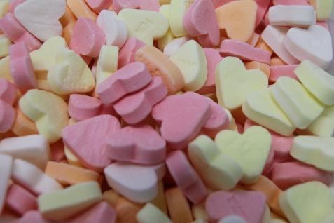 Traubenzucker Glücksherzen Lucky süße Herzen mit Botschaft 175g