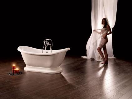 Freistehende Nostalgie Badewanne Worcester aus Acryl in weiß glänzend von Bädermax