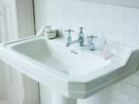 Nostalgie Waschbecken Edwardian-61 aus Keramik in weiß glänzend von Bädermax
