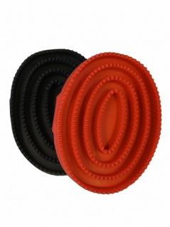 Gummistriegel. oval. flexibel. mit Handschlaufe. rot + schwarz ca. 15 x 10 cm