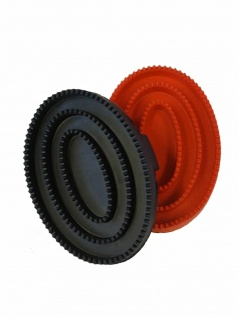 Gummistriegel Junior oval mit Handschlaufe für kleine Hände 12x7 cm rot+schwarz