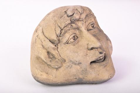 Chuckle Stone Der Erdgeist Gartendeko massiver Stein