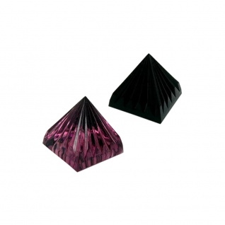 Pyramide 28x30mm gerillt Farbe wählbar