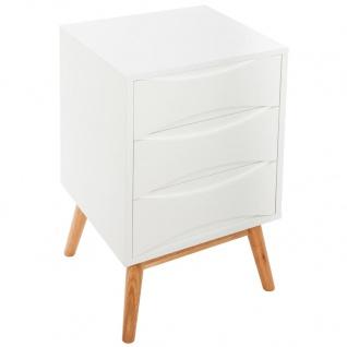 Nachttisch in weißer Farbe, Drei-Schubladen Möbelstück auf vier Holzbeinen.