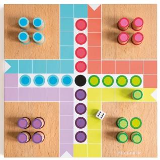 Holzspiel Patschisi für Kinder, interessantes Brettspiel, perfekte Geschenkidee