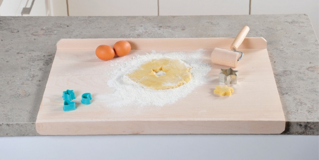 Backbrett, Küchenzubehör, FSC-Schichtholz, Maße: 59 x 39 x 4 cm