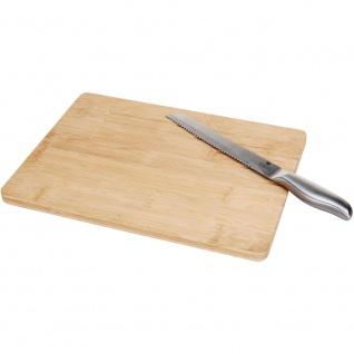 Schneidebrett aus Bambus mit Messer