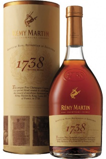Remy Martin 1738 Accord Royal Cognac 0.7 L Doppeltes Gold 2017 bei der SFWSC