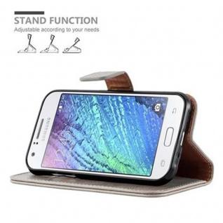 Cadorabo Hülle für Samsung Galaxy J1 2015 in CAPPUCCINO BRAUN ? Handyhülle mit Magnetverschluss, Standfunktion und Kartenfach ? Case Cover Schutzhülle Etui Tasche Book Klapp Style - Vorschau 5
