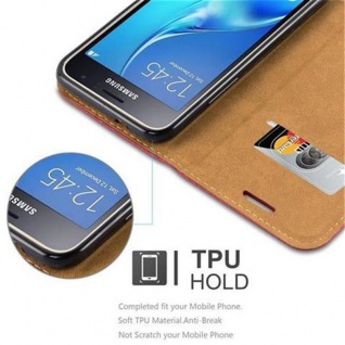 Cadorabo Hülle für Samsung Galaxy J1 2016 (6) - Hülle in ABEND ROT - Handyhülle mit Standfunktion, Kartenfach und Textil-Patch - Case Cover Schutzhülle Etui Tasche Book Klapp Style - Vorschau 4