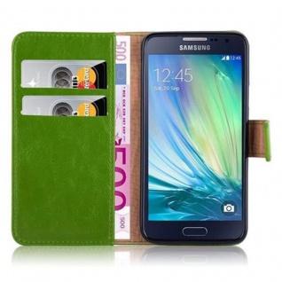 Cadorabo Hülle für Samsung Galaxy A3 2015 in GRAS GRÜN - Handyhülle mit Magnetverschluss, Standfunktion und Kartenfach - Case Cover Schutzhülle Etui Tasche Book Klapp Style - Vorschau 3