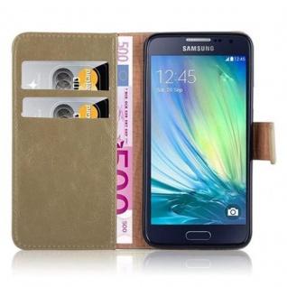 Cadorabo Hülle für Samsung Galaxy A3 2015 in CAPPUCINO BRAUN - Handyhülle mit Magnetverschluss, Standfunktion und Kartenfach - Case Cover Schutzhülle Etui Tasche Book Klapp Style - Vorschau 3