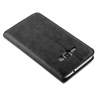 Cadorabo Hülle für Samsung Galaxy J1 2016 in NACHT SCHWARZ - Handyhülle mit Magnetverschluss, Standfunktion und Kartenfach - Case Cover Schutzhülle Etui Tasche Book Klapp Style - Vorschau 5
