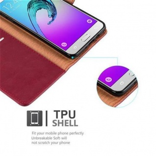 Cadorabo Hülle für Samsung Galaxy J7 2016 in WEIN ROT - Handyhülle mit Magnetverschluss, Standfunktion und Kartenfach - Case Cover Schutzhülle Etui Tasche Book Klapp Style - Vorschau 4