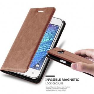 Cadorabo Hülle für Samsung Galaxy J1 2015 in CAPPUCCINO BRAUN - Handyhülle mit Magnetverschluss, Standfunktion und Kartenfach - Case Cover Schutzhülle Etui Tasche Book Klapp Style