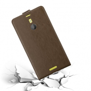 Cadorabo Hülle für Nokia Lumia 1520 in KAFFEE BRAUN - Handyhülle im Flip Design mit unsichtbarem Magnetverschluss - Case Cover Schutzhülle Etui Tasche Book Klapp Style - Vorschau 4