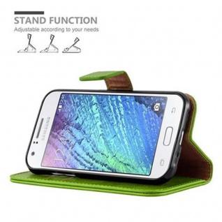 Cadorabo Hülle für Samsung Galaxy J1 2015 in GRAS GRÜN - Handyhülle mit Magnetverschluss, Standfunktion und Kartenfach - Case Cover Schutzhülle Etui Tasche Book Klapp Style - Vorschau 5