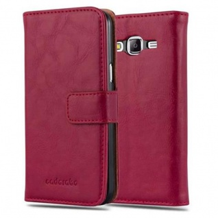Cadorabo Hülle für Samsung Galaxy J5 2015 in WEIN ROT - Handyhülle mit Magnetverschluss, Standfunktion und Kartenfach - Case Cover Schutzhülle Etui Tasche Book Klapp Style