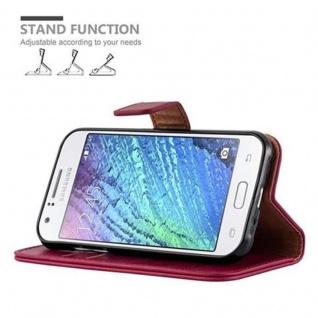 Cadorabo Hülle für Samsung Galaxy J1 2015 in WEIN ROT - Handyhülle mit Magnetverschluss, Standfunktion und Kartenfach - Case Cover Schutzhülle Etui Tasche Book Klapp Style - Vorschau 5