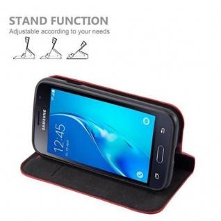 Cadorabo Hülle für Samsung Galaxy J1 MINI 2016 in APFEL ROT - Handyhülle mit Magnetverschluss, Standfunktion und Kartenfach - Case Cover Schutzhülle Etui Tasche Book Klapp Style - Vorschau 4