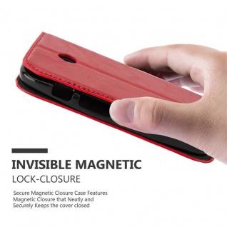 Cadorabo Hülle für Motorola MOTO E1 in APFEL ROT Handyhülle mit Magnetverschluss, Standfunktion und Kartenfach Case Cover Schutzhülle Etui Tasche Book Klapp Style - Vorschau 5
