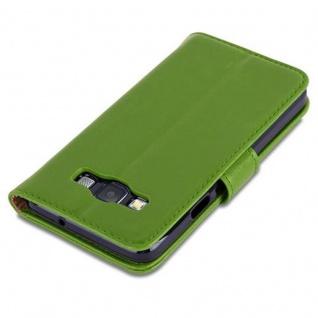 Cadorabo Hülle für Samsung Galaxy A3 2015 in GRAS GRÜN - Handyhülle mit Magnetverschluss, Standfunktion und Kartenfach - Case Cover Schutzhülle Etui Tasche Book Klapp Style - Vorschau 5