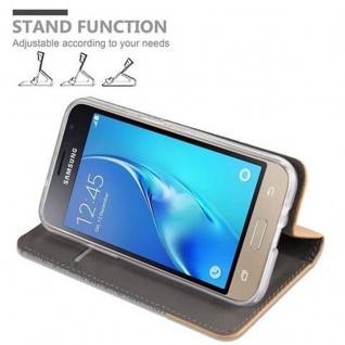 Cadorabo Hülle für Samsung Galaxy J1 2016 in HELL GRAU BRAUN - Handyhülle mit Magnetverschluss, Standfunktion und Kartenfach - Case Cover Schutzhülle Etui Tasche Book Klapp Style - Vorschau 5