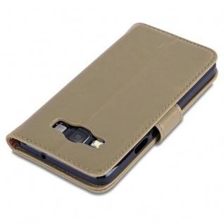 Cadorabo Hülle für Samsung Galaxy A3 2015 in CAPPUCINO BRAUN - Handyhülle mit Magnetverschluss, Standfunktion und Kartenfach - Case Cover Schutzhülle Etui Tasche Book Klapp Style - Vorschau 5