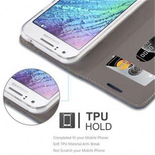 Cadorabo Hülle für Samsung Galaxy J1 2015 in DUNKEL BLAU SCHWARZ - Handyhülle mit Magnetverschluss, Standfunktion und Kartenfach - Case Cover Schutzhülle Etui Tasche Book Klapp Style - Vorschau 5