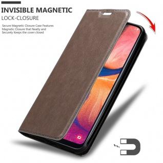 Cadorabo Hülle für Samsung Galaxy A20e in KAFFEE BRAUN - Handyhülle mit Magnetverschluss, Standfunktion und Kartenfach - Case Cover Schutzhülle Etui Tasche Book Klapp Style - Vorschau 3