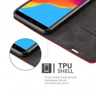 Cadorabo Hülle für Honor 7C in APFEL ROT Handyhülle mit Magnetverschluss, Standfunktion und Kartenfach Case Cover Schutzhülle Etui Tasche Book Klapp Style - Vorschau 2