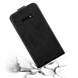 Cadorabo Hülle für Samsung Galaxy S10e in NACHT SCHWARZ - Handyhülle im Flip Design mit Magnetverschluss - Case Cover Schutzhülle Etui Tasche Book Klapp Style - Vorschau 3