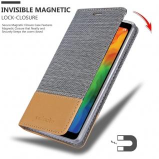 Cadorabo Hülle für LG Q7a in HELL GRAU BRAUN - Handyhülle mit Magnetverschluss, Standfunktion und Kartenfach - Case Cover Schutzhülle Etui Tasche Book Klapp Style