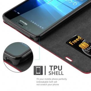 Cadorabo Hülle für Nokia Lumia 950 in APFEL ROT Handyhülle mit Magnetverschluss, Standfunktion und Kartenfach Case Cover Schutzhülle Etui Tasche Book Klapp Style - Vorschau 3