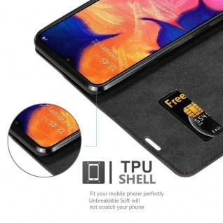 Cadorabo Hülle für Samsung Galaxy A10 in KAFFEE BRAUN - Handyhülle mit Magnetverschluss, Standfunktion und Kartenfach - Case Cover Schutzhülle Etui Tasche Book Klapp Style - Vorschau 4