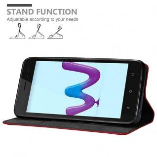 Cadorabo Hülle für WIKO SUNNY 3 in APFEL ROT Handyhülle mit Magnetverschluss, Standfunktion und Kartenfach Case Cover Schutzhülle Etui Tasche Book Klapp Style - Vorschau 4