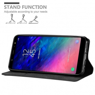 Cadorabo Hülle für Samsung Galaxy A6 PLUS 2018 in NACHT SCHWARZ - Handyhülle mit Magnetverschluss, Standfunktion und Kartenfach - Case Cover Schutzhülle Etui Tasche Book Klapp Style - Vorschau 4