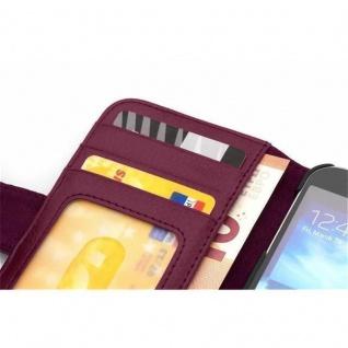 Cadorabo Hülle für Samsung Galaxy J5 2015 in BORDEAUX LILA - Handyhülle mit Magnetverschluss und 3 Kartenfächern - Case Cover Schutzhülle Etui Tasche Book Klapp Style - Vorschau 5