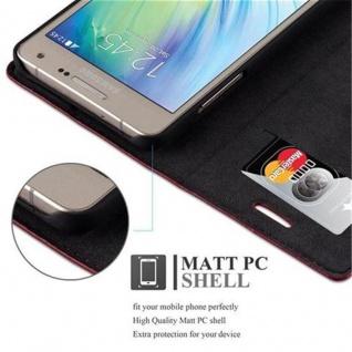 Cadorabo Hülle für Samsung Galaxy A5 2015 in APFEL ROT - Handyhülle mit Magnetverschluss, Standfunktion und Kartenfach - Case Cover Schutzhülle Etui Tasche Book Klapp Style - Vorschau 4